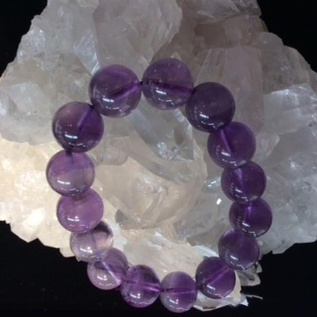 紫色の石・アメジスト